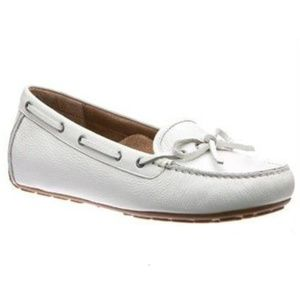149 ABEO Marilee Moccasin Flats in White